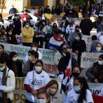 Face au coronavirus, les jeunes ne sont pas invincibles, rappelle l'OMS